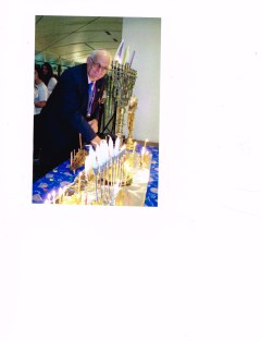 mel benison at chanukah celebratioan 2015